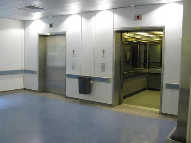 آسانسور بیمارستان در طراحی دوبلکس