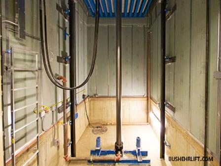 نمایی از آسانسور های هیدرولیک