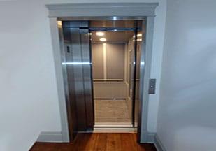 تأثیر انتخاب درب مناسب در ترافیک آسانسور