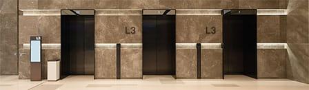 چیدمان آسانسورهای گروهی